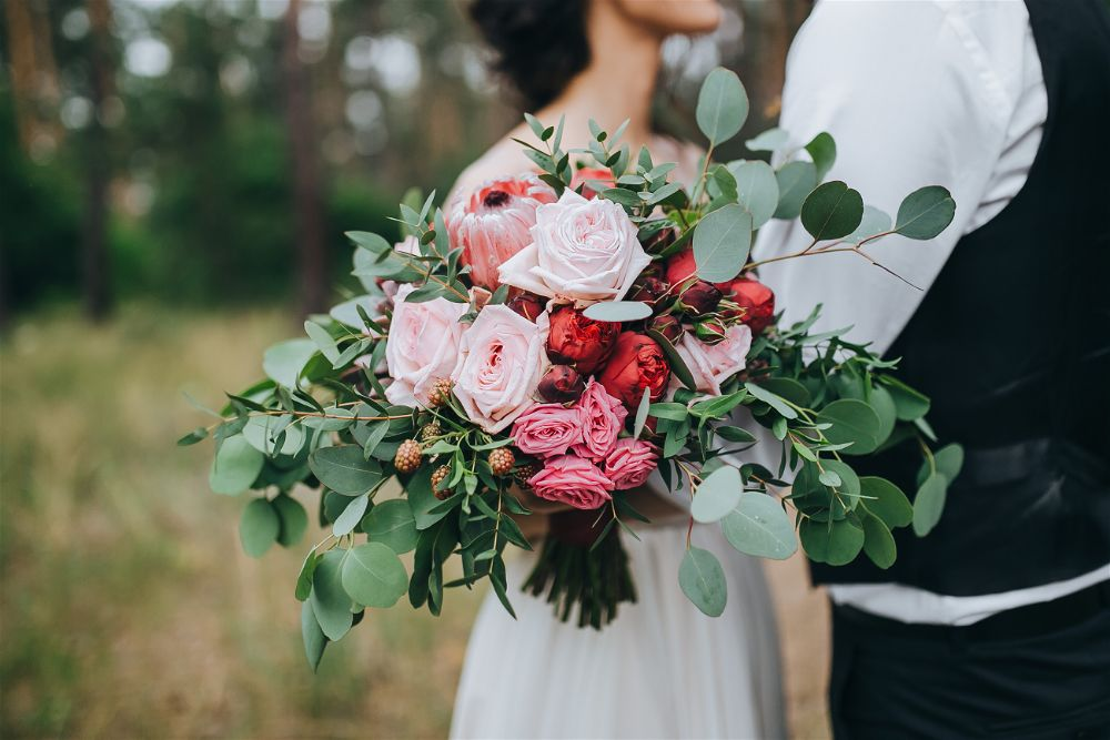 How to dry your wedding bouquet